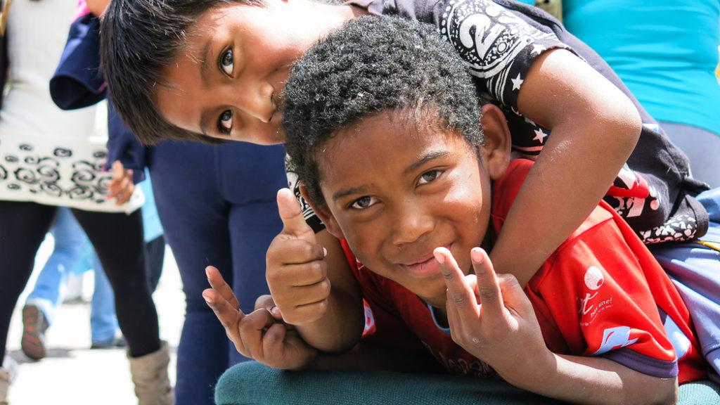Niños afrodescendientes de la comunidad negra Alsacia, Cauca, Colombia.  ENLACE A COLOMBIA